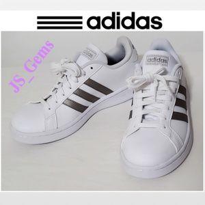NIB Grand Court Female Athletic Shoe